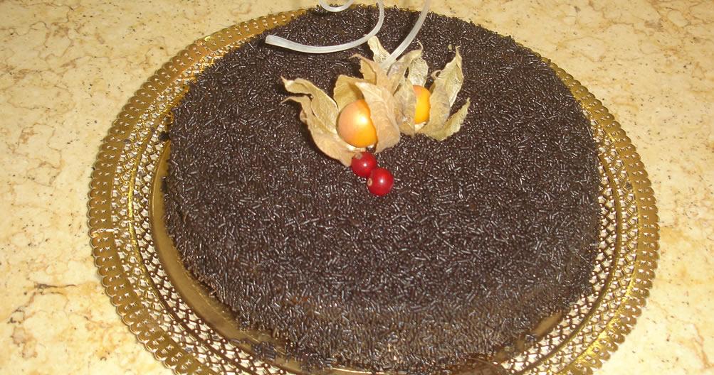 Bolo de chocolate Brigadeirão