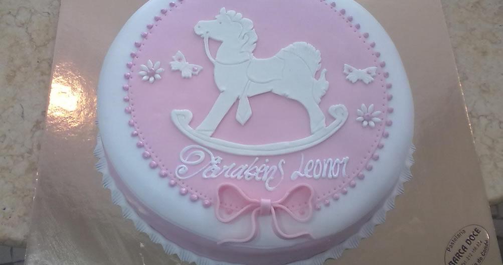 Bolo de aniversário cavalinho de baloiço